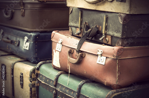 Deurstickers Retro vintage leather suitcases