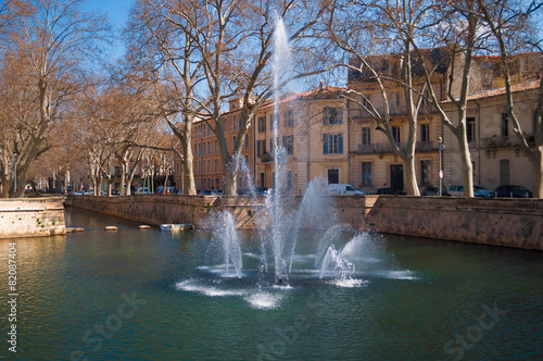 Fotobehang Fontaine Jardin de la fontaine, Nîmes.