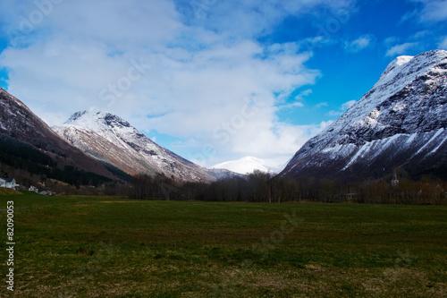 Staande foto Scandinavië mountains view in norway
