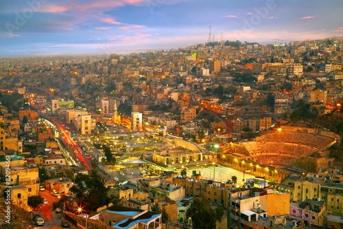 Poster Moyen-Orient Night lights of Amman - capital of Jordan