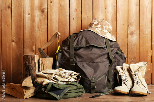 Poster Jacht Hunting gear on wooden background