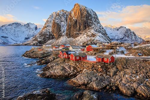 Obraz Wioska rybacka Reine, Lofoty, Norwegia - fototapety do salonu