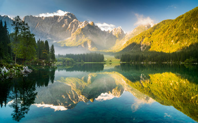 Fototapetajezioro górskie w Alpach Julijskich,Laghi di Fusine