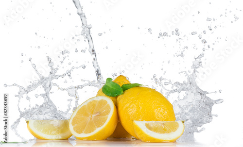 Poster Eclaboussures d eau Fresh Fruit with water splash