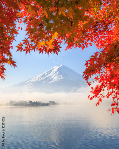 Photo Stands Japan Autumn Season and Mountain Fuji in Japan