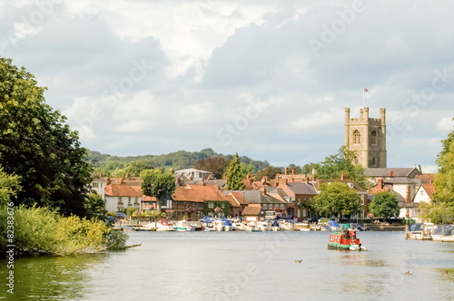 Fotografie, Obraz  river view of the tourist town of Henley-on-Thames, UK