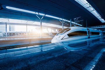 Fototapeta speeding train