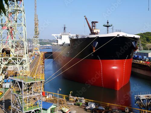 Fotografia  造船産業とジブクレーン