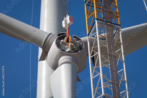 Fotografía  Rotor eines Windrades am Haken