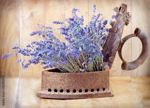 Photo  Rustic iron (old iron) and dry lavender
