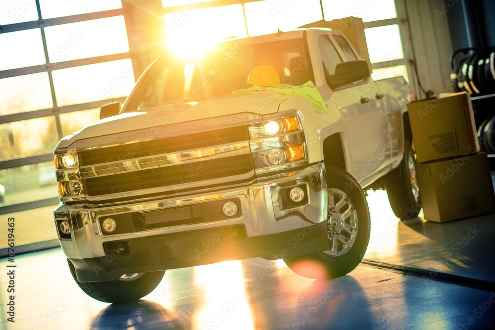 Fototapety, obrazy: Contractor Pickup Truck