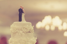 Top Of Cake For Wedding Ceremony