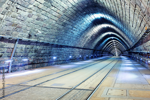 Foto op Aluminium Tunnel Tunnel with railroad and tram