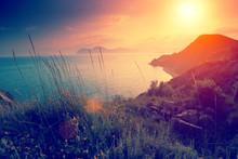 Beautiful Sunset Over Rocky Se...
