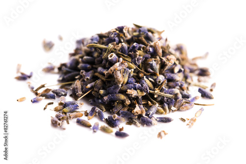 Photo  Lavender Herb Bud Flower tea Heap pile surface top view isolated