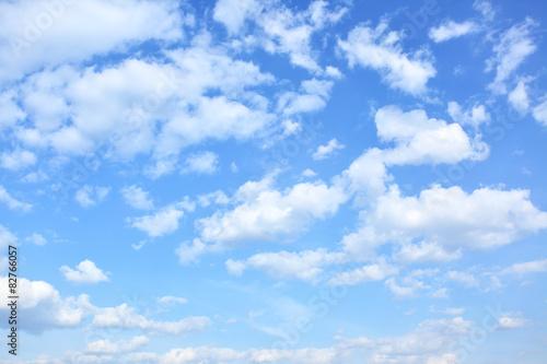Naklejki na meble   niebo-z-chmurami