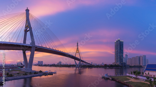Spoed Foto op Canvas Brug Bangkok Bridge river front