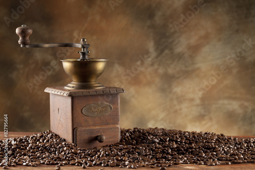 Fotografie, Obraz  Coffee grains and old coffee grinder