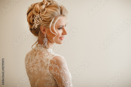 Fotobehang Kapsalon Beautiful bride wedding makeup hairstyle marriage