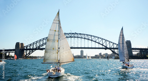 Staande foto Sydney Sydney Harbor Bridge with Sailboats, Australia