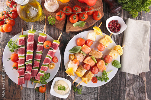 Papiers peints Grill, Barbecue barbecue party with beef skewer and fish