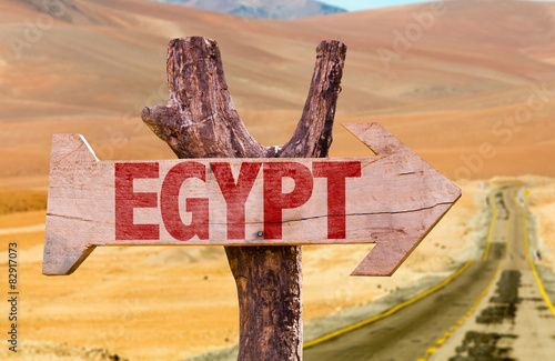 Poster Algérie Egypt wooden sign with desert road background