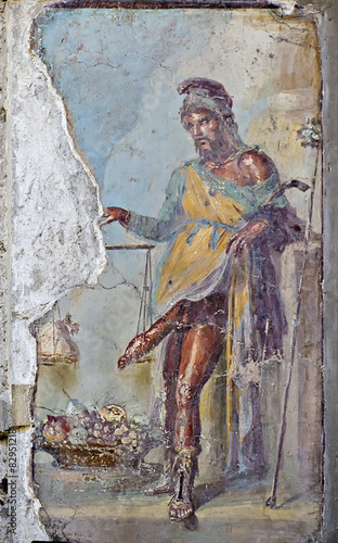 Fotografía  Fresco of Priapus with erect penis, Vettii houses, old ruins of Pompeii