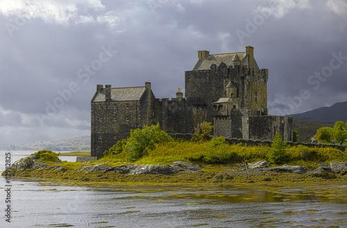Spoed Foto op Canvas Kasteel Eilean Donan Castle, Highlands, Scotland