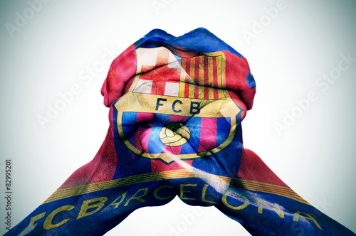 In de dag Barcelona man hands patterned with the flag of the Futbol Club Barcelona