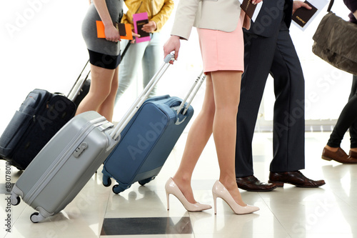 Aluminium Prints Akt People with suitcases in airport