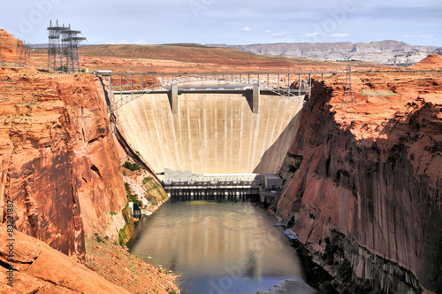 Photo  Lake Powell Dam / Lake Powell Dam in Page Arizona