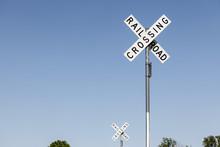 Railroad Crossing - 2 Schilder