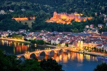 Fototapeta Panorama Miasta Heidelberg bei Abenddämmerung