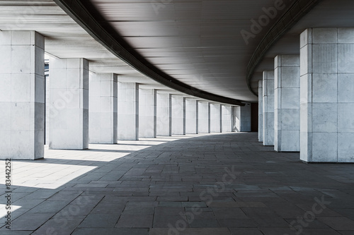 Papiers peints Tunnel long corridor of a building with columns