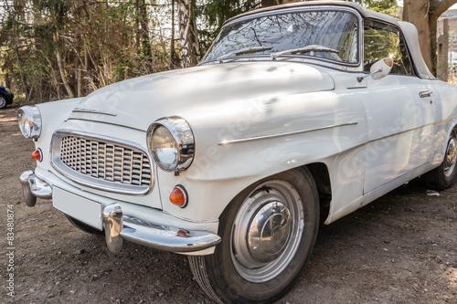 czeski-oldtimer-retro-kabriolet