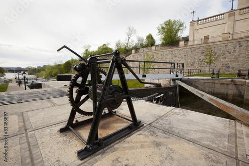 Tuinposter Kanaal canal lock winches Ottawa
