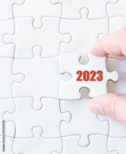 Fotografia  Missing jigsaw puzzle piece with year  2023