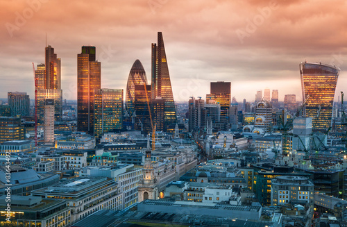 Foto op Canvas Londen LONDON, UK - JANUARY 27, 2015: London's panorama in sun set.