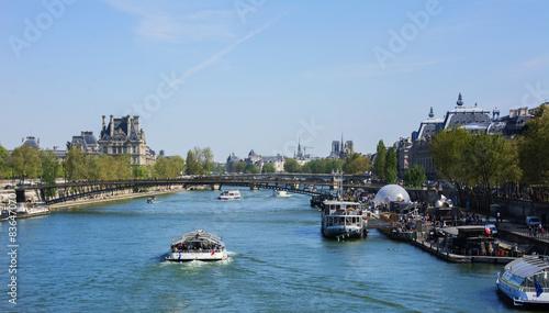Fotografia  veduta della senna a parigi