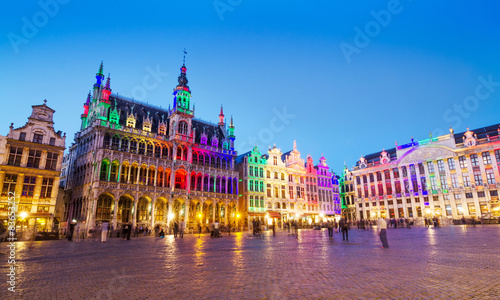 Poster Brussel Grand Place in Brussels with colorful lighting