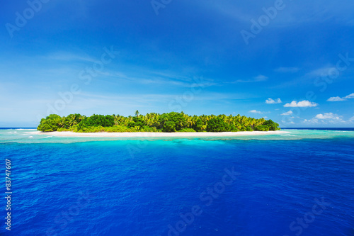 Foto op Canvas Tropical strand Beautiful Tropical Island