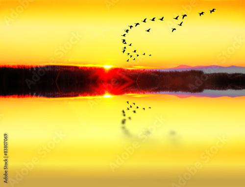 Fotobehang Zwavel geel amanecer en el lago