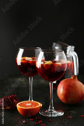 Fotografía Glass of sangria on black background