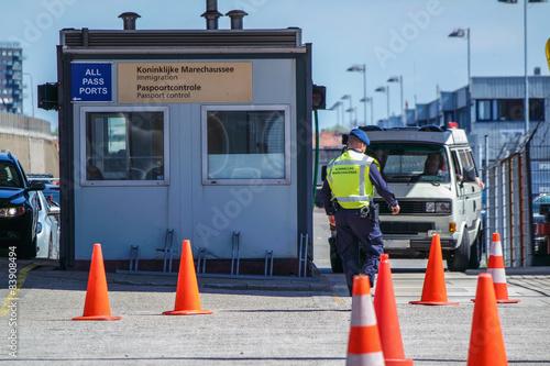 Fotografía  Control fronterizo del puerto