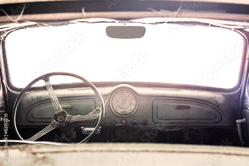 Poster Vintage voitures Interior of a classic vintage old car
