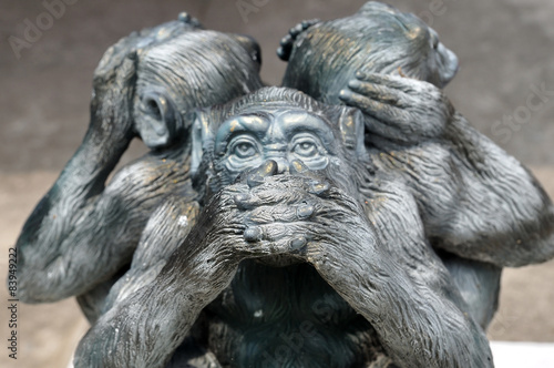 In de dag Aap Three wise monkeys or Three Mystic Apes sacred ancient icon