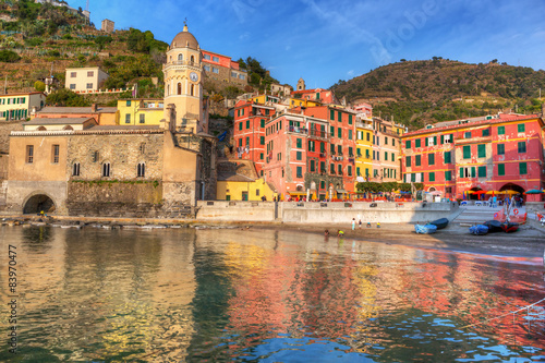 Photographie  Vernazza town on the coast of Ligurian Sea, Italy