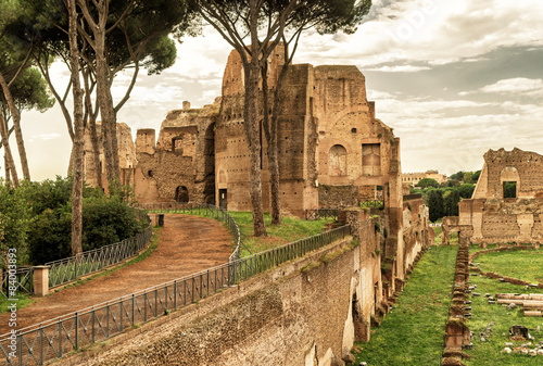 Fotografie, Obraz  The ruins of the stadium of Domitian on the Palatine Hill in Rom