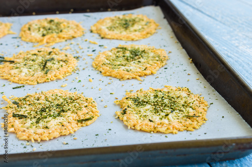 Fotografie, Obraz  Parmesan Furikake Crisps