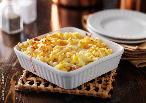 Fotografie, Obraz  casserole dish with baked macaroni and cheese